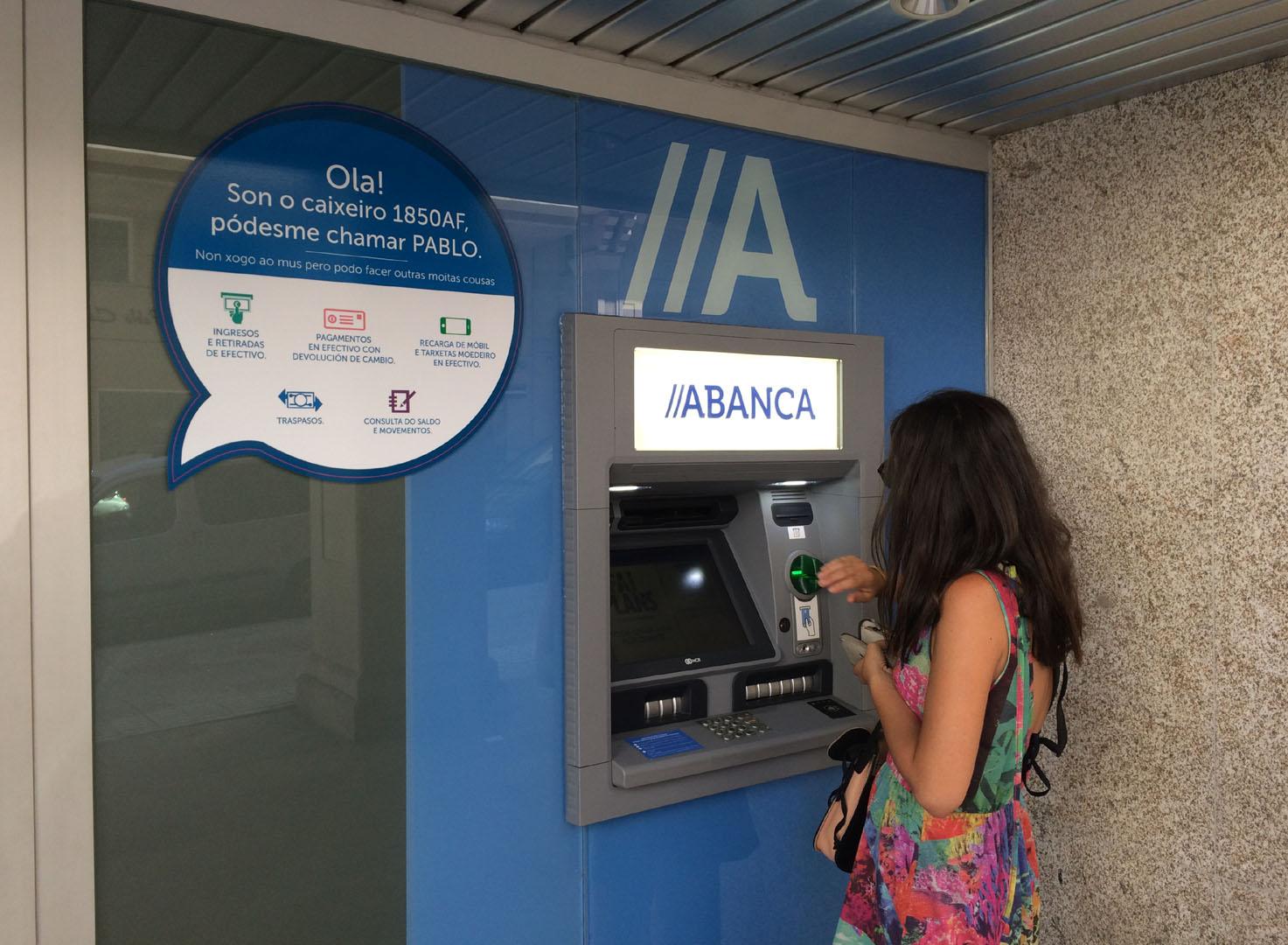 Los clientes de abanca podr n retirar dinero gratis en for Ingresar dinero cajero abanca